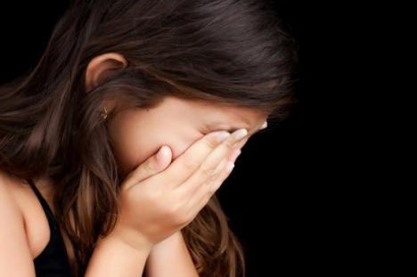 Profesor arestat preventiv, după ce ar fi agresat sexual o elevă de 9 ani