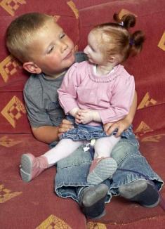 Fetiţa de 56 de centimetri: la doi ani e cea mai mică din lume (FOTO)