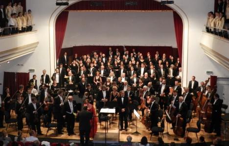 Concert de Anul Nou cu trei reprezentaţii, la Filarmonică