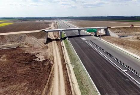 Filmare aeriană: Cum arată secţiunea Biharia - Borş a Autostrăzii Transilvania (VIDEO)