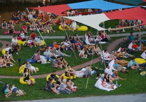 Vin caravanele! Încep proiecţiile NexT şi TIFF la Oradea Summer Film