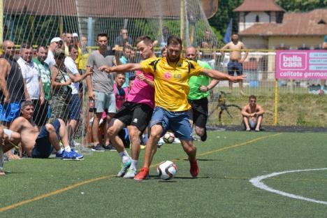 AEK Oradea a pierdut la penalty-uri finala Campionatului Regional de minifotbal (FOTO)
