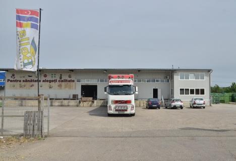 Patronul depozitului Bella Internaţional şi unul din agenţii firmei au fost arestaţi