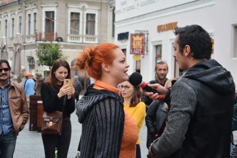 Festivalul de Teatru de la Oradea, anunţat printr-un flashmob pe Corso (FOTO/VIDEO)