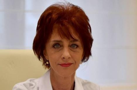 O doctoriță din Oradea riscă excluderea din profesie: Flavia Groşan susține că a făcut 'minuni' vindecând bolnavi Covid în cabinetul privat, în timp ce în spitale aceștia sunt omorâți