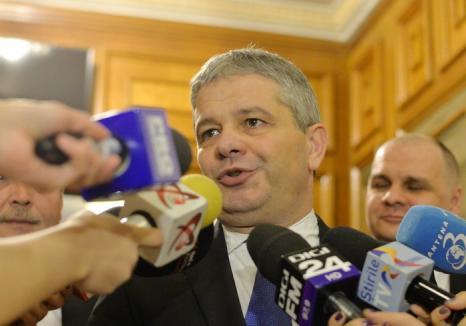 #rezistă: Florian Bodog rămâne ministru al Sănătăţii, cu toate că a picat la evaluarea partidului