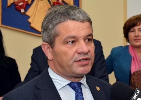 Universitatea de Vest Timişoara arată că n-a cerut tardiv anularea diplomei lui Florian Bodog. PSD-istul se pretinde o victimă politică!