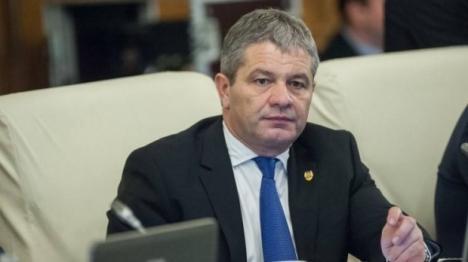 Nicio şedinţă fără dojană: Premierul Tudose l-a certat iar pe ministrul Florian Bodog (VIDEO)