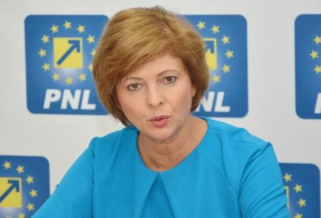 Deputatul PNL Florica Cherecheş cere explicaţii despre cum a ajuns Olimpia Mintaş şefă la APM Bihor
