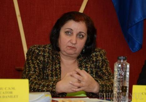 Judecătoarea orădeancă Florica Roman: 'Ambasadele străine să plătească, în solidar cu statul roman, despăgubirile pentru abuzurile DNA'
