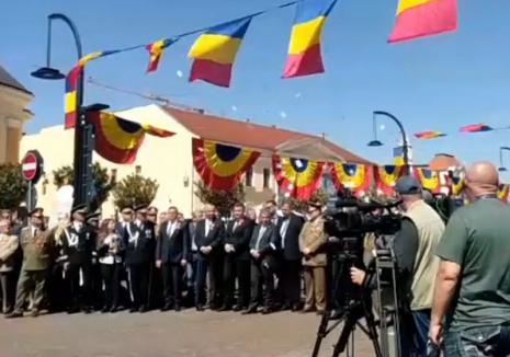 Ivanov nu a ratat ocazia: În timpul discursului lui Bolojan, individul a aruncat cu mesaje anti-politicieni (FOTO / VIDEO)