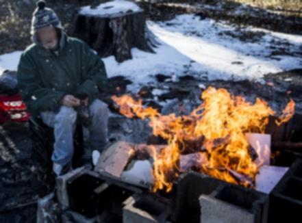 N-a fost omor: Bărbatul care a murit carbonizat lângă podul Densuşianu băuse şi îşi făcuse foc să se încălzească