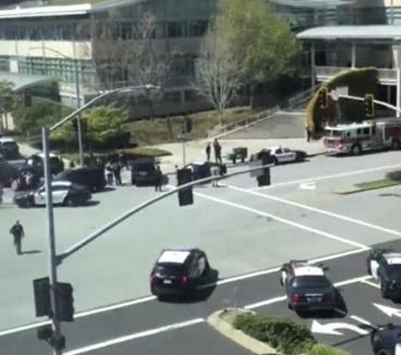 Focuri de armă lângă sediul YouTube: Angajaţi concernului au anunţat prezenţa unui trăgător