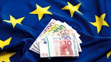 Fruntaşi la bani europeni: Oradea, oraşul din regiune cu cele mai multe fonduri comunitare atrase pe cap de locuitor