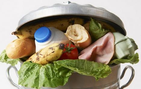 Orădenii, invitaţi să se alăture campaniei împotriva risipei alimentare în România