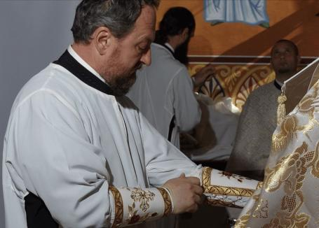 Fostul episcop al Huşilor, reţinut pentru viol şi abuz sexual