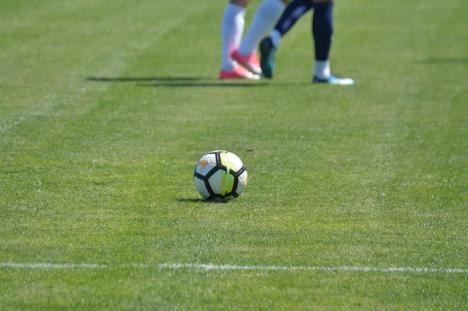 Jocurile de fotbal pentru copii şi juniori, suspendate şi în judeţul Bihor. În Liga a IV-a se joacă fără spectatori