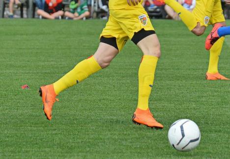 CAO Oradea a câștigat derby-ul de la Ștei, consolidându-și poziția în fruntea clasamentului Ligii a IV-a