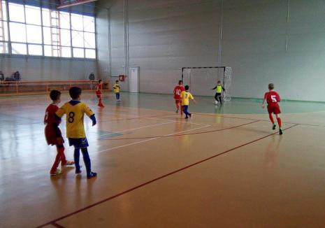 Cei mai mici fotbalişti bihoreni s-au întrecut în cea de-a doua ediţie a Cupei Moş Nicolae