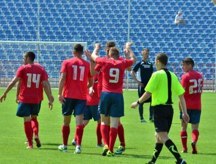 Fotbaliştii şi antrenorii de la FC Bihor vor reveni din vacanţă luni