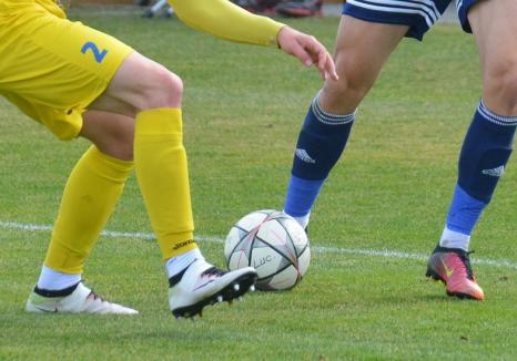 Fotbal, liga a treia: CSC Sânmartin a câştigat la Galda, dar Luceafărul a fost umilit pe teren propriu