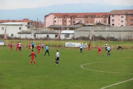Fotbaliştii de la Universitatea Oradea au început noua stagiune promiţător