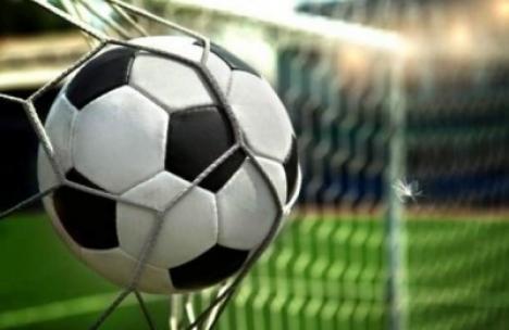 Minifotbal: Reîncep campionatele de la Baza Tineretului din Oradea