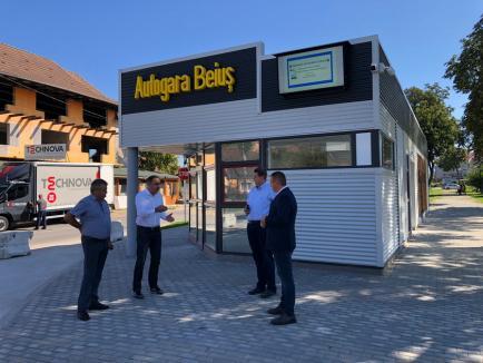 Noua autogară din Beiuș a fost finalizată la mai puțin de o săptămână după cea din Marghita (FOTO)