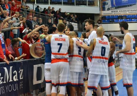În finală! CSM Oradea şi-a învins marea rivală şi va juca pentru Cupa României la baschet