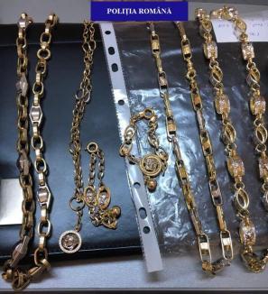 Patronul Zeus Amanet a rămas fără o jumătate de kilogram de bijuterii de aur (FOTO/VIDEO)