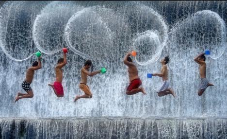 Expoziţie de fotografie la Oradea: Artistul român cu cele mai mari distincţii din lume îşi prezintă creaţiile la Euro Foto Art
