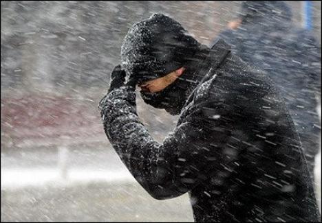 În această iarnă, trei persoane au murit din cauza frigului şi alte 51 au necesitat transport la spital