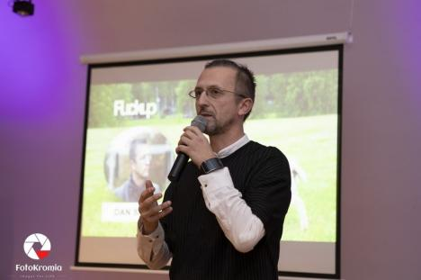 După ce a citit în BIHOREANUL despre FuckUp Nights, milionarul George Haber din Silicon Valley a venit la Oradea să vorbească despre eşecuri (FOTO/VIDEO)