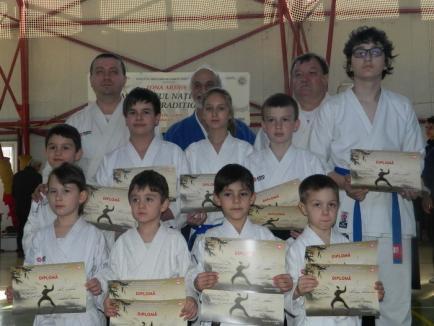 Rezultate bune pentru orădeni la zonalele Campionatului Naţional de karate traditional pentru copii