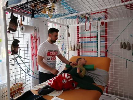 Orășelul Speranței: Mihai Neşu ne cere ajutorul pentru a clădi în Bihor un complex de recuperare a copiilor bolnavi (FOTO / VIDEO)