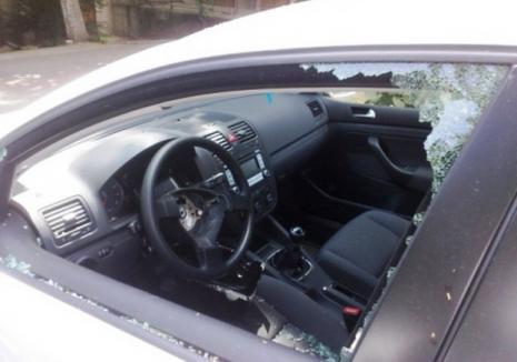 Rudi în arest: Un spărgător cu zeci de furturi şi tâlhării la activ a fost prins în flagrant de proprietarul maşinii pe care o golea