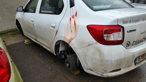 Parcările iluminate nu îi sperie pe hoți: Două mașini au rămas fără roţi, iar o alta fără benzină și cu rezervorul găurit (FOTO)