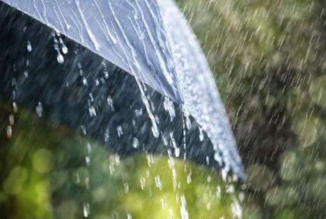 Avetizare meteo imediată: COD GALBEN de furtuni şi grindină în mai multe localităţi din Bihor