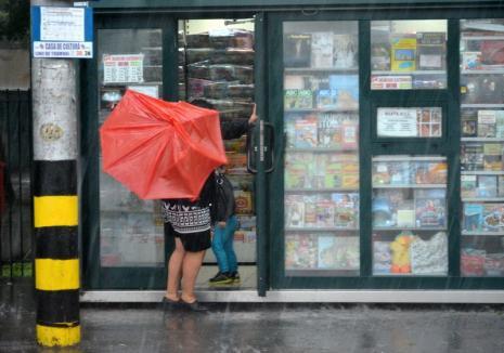 Un nou cod galben de furtuni în Bihor: Vezi localităţile afectate!