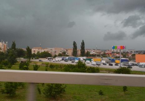 Revin furtunile în Bihor. Avertizare nowcasting de tip cod galben