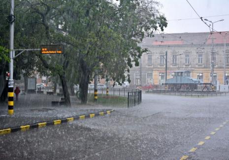 România iese de sub codul roşu de caniculă, dar urmează o nouă săptămână de foc. Alerte de furtuni în toată țara!
