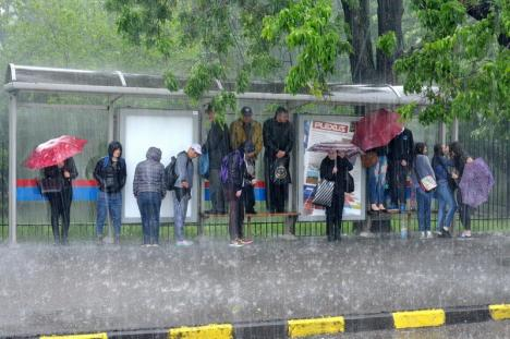 Atenţie, furtună! Cod galben în Oradea şi mai multe comune