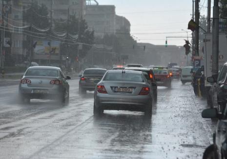 O nouă avertizare meteo imediată: Se anunță noi furtuni în Bihor, inclusiv în Oradea