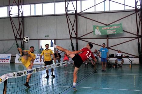 CS Tengo Salonta a câştigat cu 4-1 derby-ul cu JSF Cluj, din cadrul Campionatului Naţional de Futnet (FOTO)