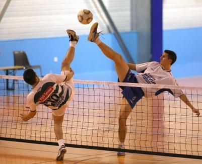 Tenis cu piciorul: Victorie pentru seniori și eșec la limită pentru juniorii de la Tengo Salonta