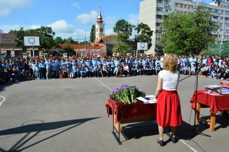 'Olimpicii Centenarului': Şcoala Oltea Doamna şi-a premiat cei aproape 200 de elevi câştigători la olimpiade şi concursuri (FOTO / VIDEO)