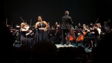 European Music Open s-a încheiat cu o gală de operă cu solişti din Viena, care l-au convins pe tenorul orădean Alexandru Badea să cânte alături de ei (FOTO)