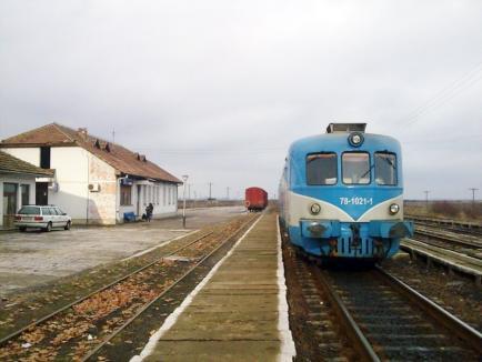 Sute de navetişti de pe ruta Salonta – Vaşcău riscă să rămână din 1 ianuarie fără legătură feroviară