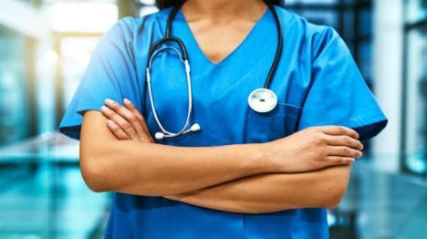 Se întâmplă în Oradea: A trimis un CV pentru un job de asistentă medicală şi a primit în schimb… o invitaţie la sex pe bani!