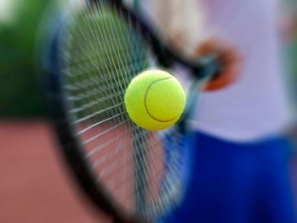 Complexul sportiv al Arenei 'Antonio Alexe' găzduieşte în weekend primul tureu de tenis din noul an